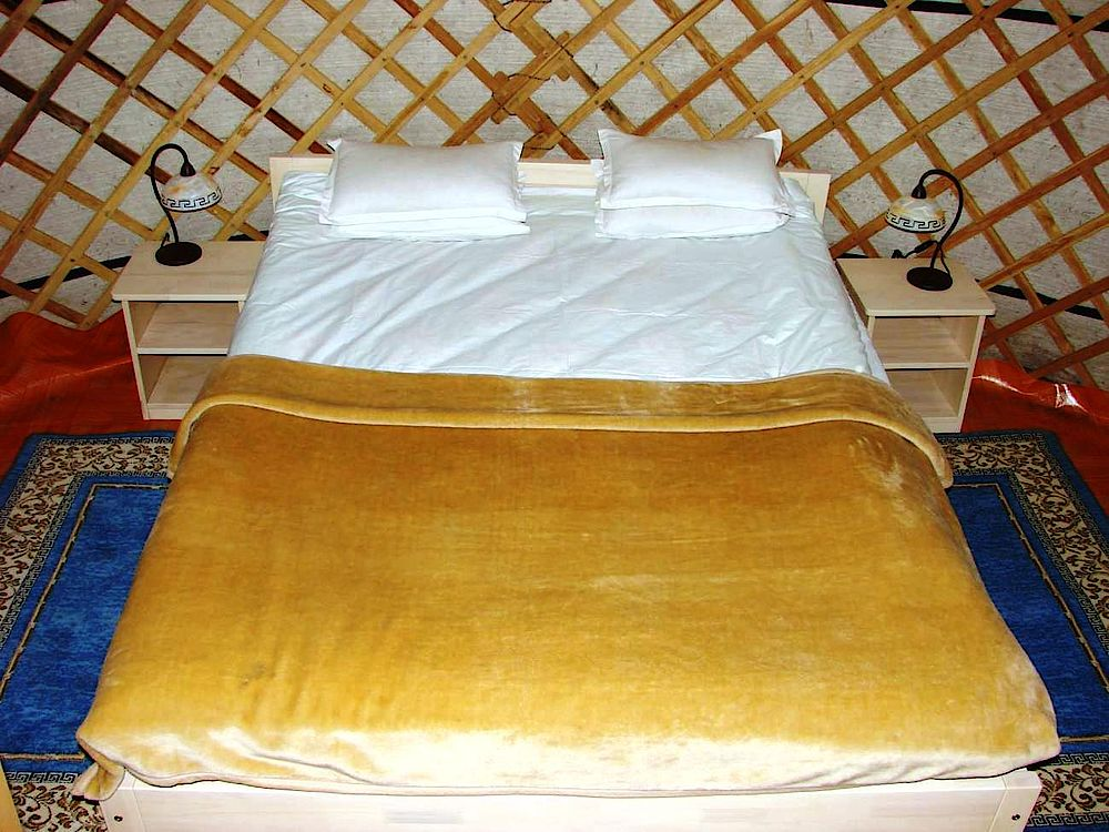Doppelbett, Princess Lodge, Khan Khentii Nationalpark, Mongolei Rundreise